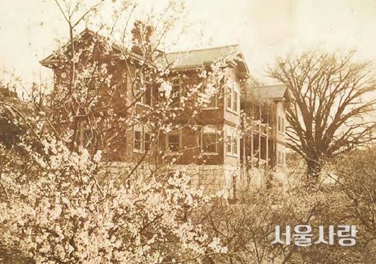 1929년과 현재의 딜쿠샤 모습.