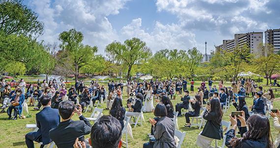 [서울 트렌드] 규모는 작지만 의미는 더 커진 결혼식, 코로나19 시대의 '뉴노멀 웨딩'