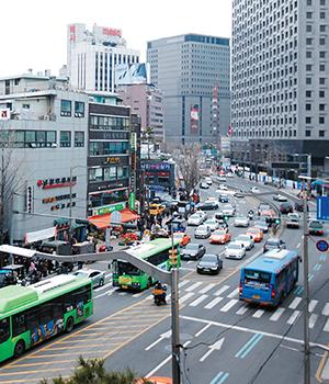 [서울형 도시 재생 지역을 가다 ②]다른 듯 닮은 역사 문화 동네 남대문시장·회현동