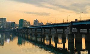 [나의 서울] 나의 도시에는 강이 흐른다